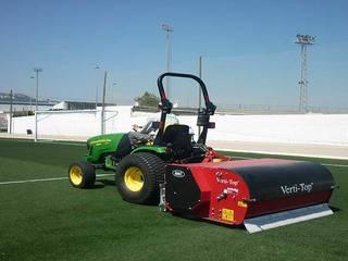 Mantenimiento de césped artificial del campo de fútbol de Valencia: Paredes de estilo  de Arturf (Césped Artificial)