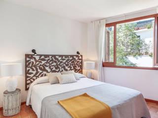 Bedroom Markham Stagers Mediterranean style bedroom