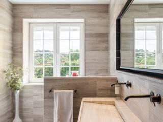 Réaménagement d'une salle de bain Salle de bain moderne par La Fable Moderne