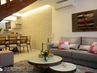 Residência ABP Tania Bertolucci de Souza | Arquitetos Associados Salas de estar modernas