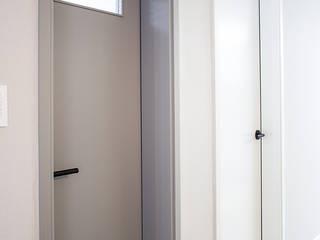 Modern Windows and Doors by 플레이디자인 Modern