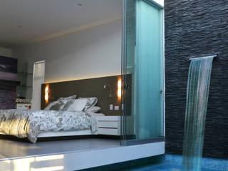 Jacuzzi y Dormitorio Principal: Piscinas de estilo  por DMS Arquitectas,
