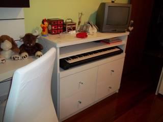 Reforma mobiliário para teclado - quarto jovem - Leme - RJ por SANDRA VIANNA arquitetura e instalações Moderno