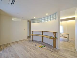 合理的に住むリノベーション エヌスペースデザイン室 オリジナルデザインの 子供部屋 木 木目調