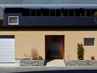 愛媛県 松山市 市街地のすまい: Y.Architectural Designが手掛けた家です。