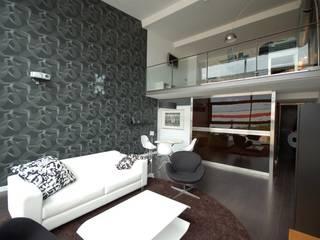 Zona de sofá diseñada por Onebyhdl, nuestra asesoría online lowcost:  de estilo  de horasDluz Studio