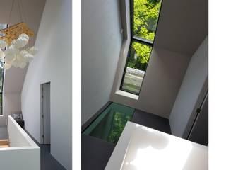 Ingresso & Corridoio in stile  di TS architecten BV