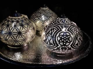 Amuns Blume des Lebens- / Muschel- / Luxustischleuchte in Silber:   von Amun best of Orient GmbH