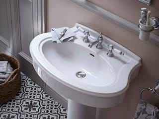 Claverton collection Baños de estilo clásico de Heritage Bathrooms Clásico