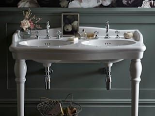 Victoria collection Classic style bathroom by Heritage Bathrooms Classic