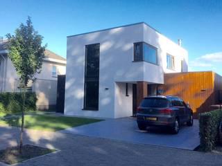 Voorzijde :  Huizen door Nico Dekker Ontwerp & Bouwkunde