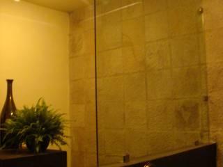 Baño visitas: Baños de estilo  por D&C Arquitectos