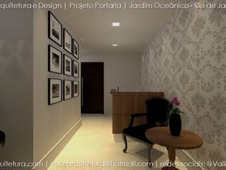 PORTARIA COM ESTILO VITORIANO: Corredores e halls de entrada  por Valle Arquitetura,Clássico