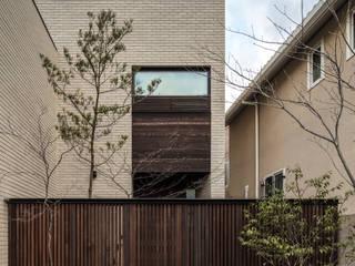 房子 by マニエラ建築設計事務所, 現代風