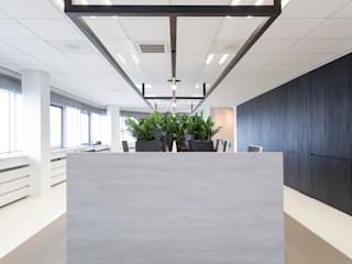Offices & stores by J.PHINE
