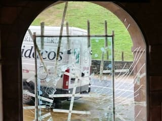 Puertas y ventanas de estilo clásico de Cristaleria Cidacos Clásico