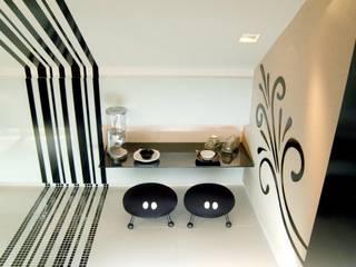 Cozinha compacta | Copa: Cozinhas  por Daniela Sumida Arquitetura
