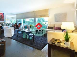 TO BUY * T4 + 2 + JARDIM + PISCINA + VISTA SERRA - SÃO BRÁS DE ALPORTEL: Salas de estar modernas por HomeLovers Algarve