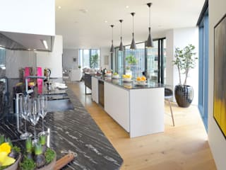 Neo Bankside Apartments Minimalist kitchen by Graham D Holland Minimalist