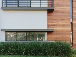 Projeto residencial - Condomínio Praia Brava:   por Schwinden & Petry Arquitetura