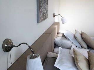Penthouse Amsterdam:  Slaapkamer door MaeN interiors