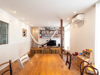 Modern living room by 株式会社ブルースタジオ Modern