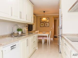 Scandinavian style kitchen by Reformas Altia Scandinavian