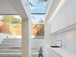 Kitchen by Sophie Nguyen Architects Ltd, Modern