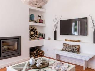 Salas de estilo ecléctico de The Interiors Online Ecléctico