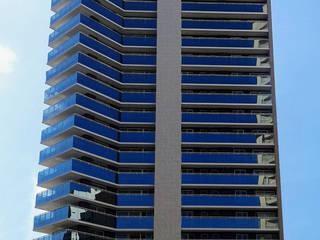 Edifício Lazúli Meireles Residence : Casas  por OIKE Arquitetos,Moderno