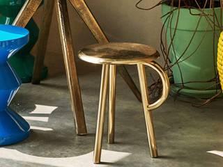 COW HANDLE STOOL: modern  door Studio Gerard de Hoop , Modern