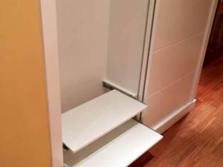Almacén de Carpintería Gómez Corridor, hallway & stairsClothes hooks & stands