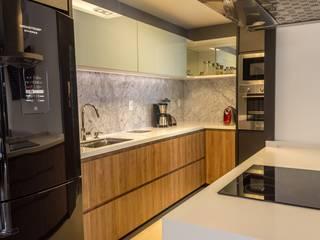 modern Kitchen by Geraldo Brognoli Ludwich Arquitetura