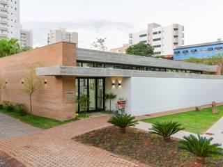 Moderne Schulen von Diego Alcântara - Studio A108 Arquitetura e Urbanismo Modern