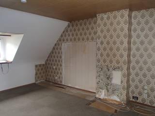 Wohnungsmodernisierung 1:  Wohnzimmer von ANKELIETZKE  Innenarchitektin