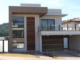 บ้านและที่อยู่อาศัย by Araujo Moraes Engenharia Arquitetura
