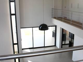 Residência Condomínio Reserva dos Vinhedos - Louveira Salas de estar modernas por Araujo Moraes Engenharia Arquitetura Moderno