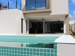 Residência Condomínio Reserva dos Vinhedos - Louveira Casas modernas por Araujo Moraes Engenharia Arquitetura Moderno