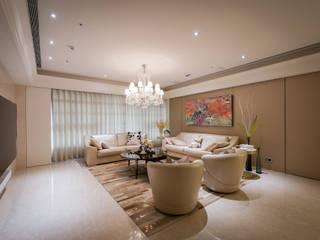 Salas de estar modernas por 汎羽空間設計 Moderno