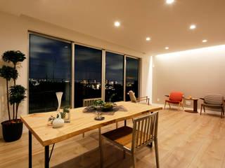 眺望を愉しむキューブな家 モダンデザインの リビング の ナイトウタカシ建築設計事務所 モダン