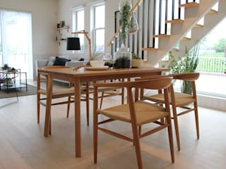 コト Living roomStools & chairs Wood Wood effect
