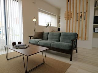 コト Living roomSide tables & trays Wood Wood effect