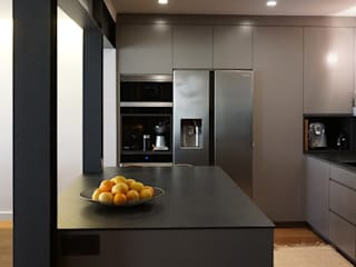 Modern kitchen by RIBA MASSANELL S.L. Modern