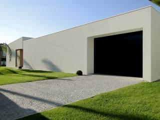 Casa RM: Casas minimalistas por arquitetura.501