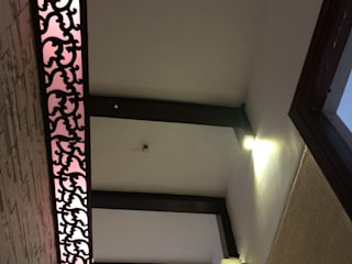 Foyer Ceiling:   by Pee Cee Interiors