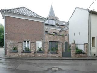 denkmalgerechte Sanierung und energetische Modernisierung :  Häuser von hucke architektur - büro für schöne sachen,Klassisch
