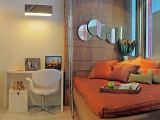 Mini Loft ; Pequenos espaços: Quartos  por Daniela Sumida Arquitetura