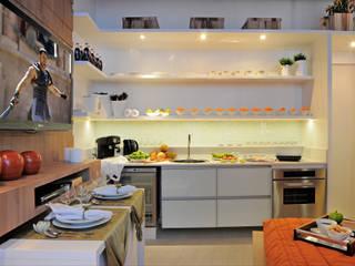 Mini Loft ; Pequenos espaços: Cozinhas  por Daniela Sumida Arquitetura