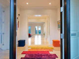 Corridor and hallway by FORMA Design Inc., Modern