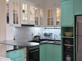 Vaastu Arsitektur Studio 現代廚房設計點子、靈感&圖片